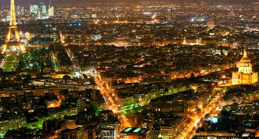 C'est beau Paris la nuit