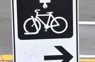 Panneau pour inciter à mettre des cadenas sur son vélo à Toronto