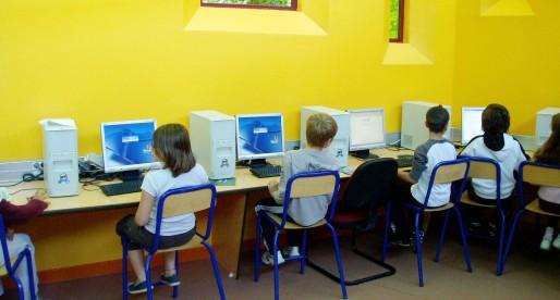 Débat sur les inégalités numériques à l'école