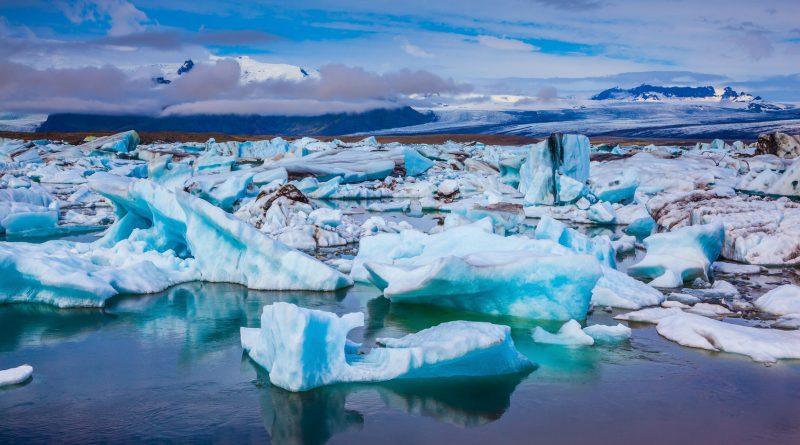 Photo représentant la banquise menacée par le réchauffement climatique