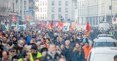 Photo représentant une manifestation dans les rues