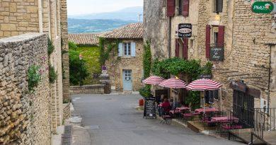 Photo représentant un village français