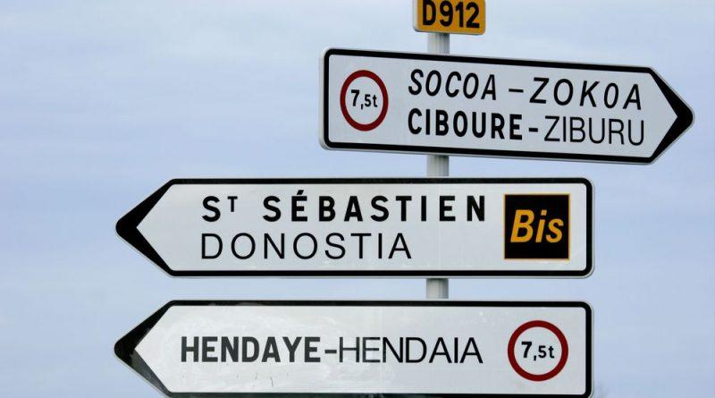 Photo de panneaux de signalisation